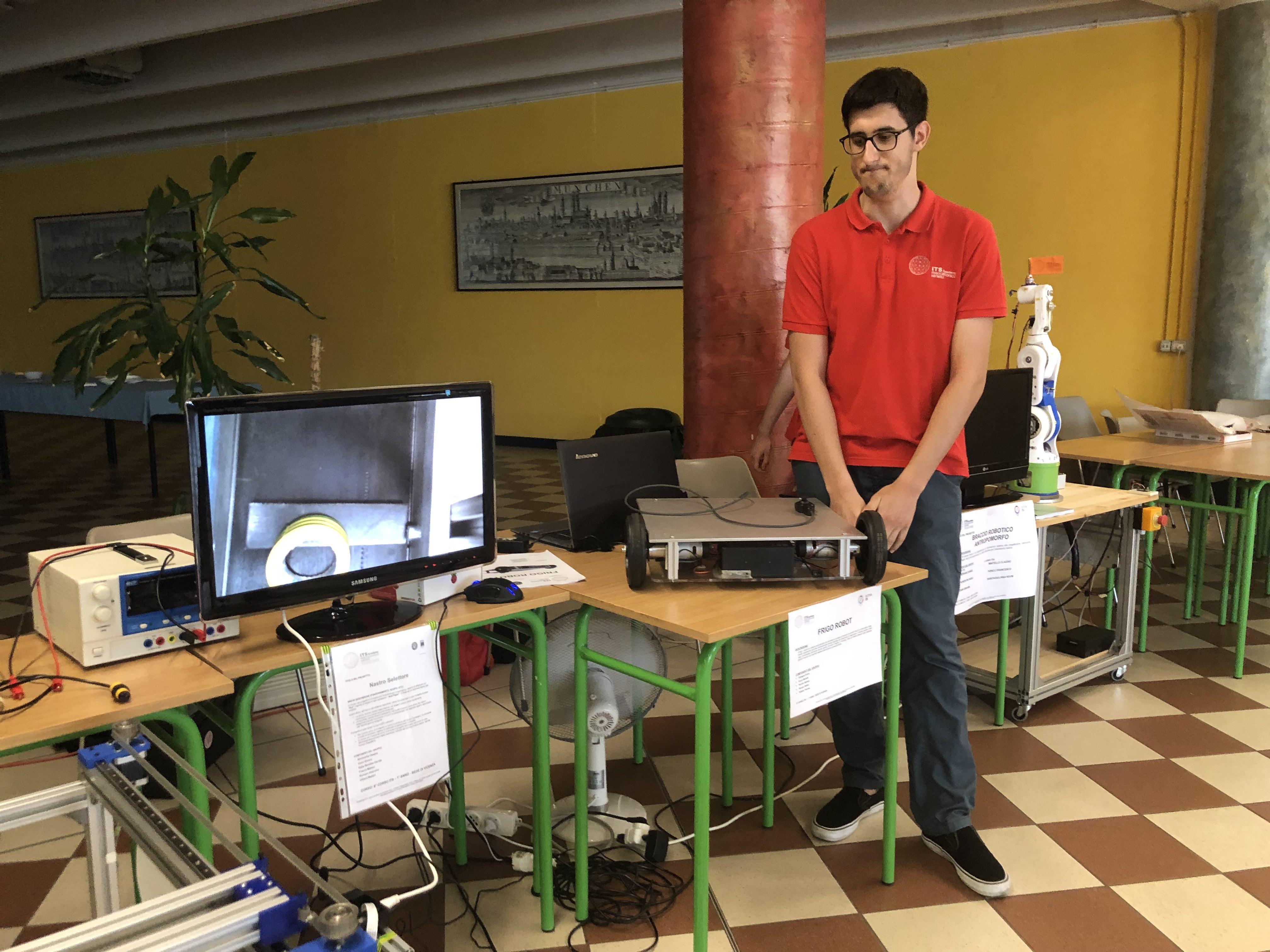 ITS Meccatronico Veneto_FRIGO ROBOT.jpg